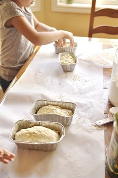 Making Bread in a Bag is going to become a favorite activity! Little kids and big kids alike will love making their own loaf of bread. Bread Recipes For Kids, Kids Cooking Recipes, Kid Cooking, Baking Classes, Cooking Classes For Kids, Bread In A Bag Recipe, How To Make Bread, Food To Make, Preschool Cooking
