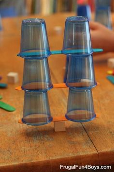 Engineering Challenges for Kids (Cups, Craft Sticks, and Cubes!) - Frugal Fun For Engineering Challenges for Kids (Cups, Craft Sticks, and Cubes!) - Frugal Fun For Boys Stem Science, Teaching Science, Science For Kids, Science Books, Life Science, Computer Science, Science Party, Easy Science, Science Experiments