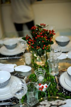Host a Holiday Dinner Party - Fashionable Hostess | Fashionable Hostess