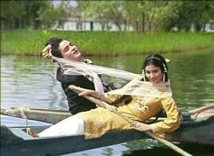 "The famous Dal Lake of Srinagar, Kashmir is the backdrop for ""Deewana Hua Badal"" from Kashmir Ki Kali Shammi Kapoor, Sharmila Tagore, Asha Parekh, Film Icon, Film World, Bollywood Outfits, Vintage Bollywood, Amitabh Bachchan, Desi Wedding"