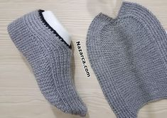 notched for easy-to-troubled-foot-gray-organ-booties - Knitting 2019 - 2020 Knit Slippers Free Pattern, Baby Sweater Knitting Pattern, Crochet Slipper Pattern, Knitted Slippers, Baby Knitting Patterns, Knitting Socks, Sewing Patterns, Crochet Patterns, Knit Shoes