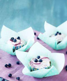 Blueberry cupcakes. Food & Style Kati Pohja, Photo Joonas Vuorinen. Kuorrutetut mustikkamuffinit - leivo ja herkuttele! | Kotivinkki