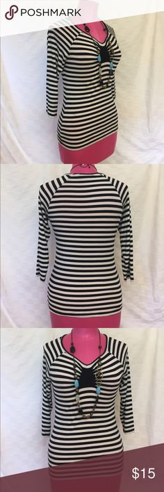 Cable &Gauge Black and White Striped T-Shirt 💍Comes With Necklace Pictures. Cable & Gauge black and white striped, 3/4 length sleeve T-shirt. Petite small. Cable & Gauge Tops Tees - Long Sleeve