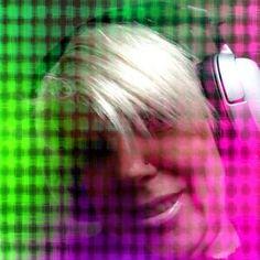 Anja Kehrbusch https://www.facebook.com/profile.php?id=100005334075228