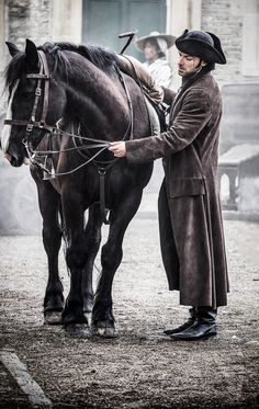 "A highlight for Aidan? ""Has to be Seamus the horse.""""Anything on the horse was always fun … I miss Seamus!""A new bromance is born.[just an excuse to reblog a favourite behind the scenes photo really]Photo [x]"