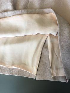 Vogue Patterns Sewing Pattern Misses' Cowl-Neck, Open-Back Dress Vogue Sewing Patterns, Open Back Dresses, Sewing Techniques, Dress Backs, Designer Collection, Cowl Neck, Diy Clothes, Tutorials, Couture