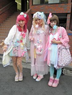 Fairy Kei, Pop Kei, Magical Girl, Pastel Fashion ♥ http://spacess.tumblr.com/post/63021457734