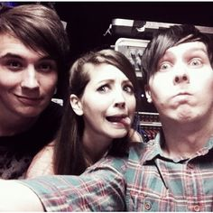Danisnotonfire, Zoella, and Amazingphil Dan Howell Phil Lester ❤ liked on Polyvore featuring youtubers, instagram, pictures, zoe sugg and dan
