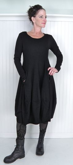 Rundholz black label p'd by p'r. Nice look and the older woman can pull this off, but I wouldn't have believed it until I've seen it. Advanced Style, Mode Outfits, Look Fashion, Dress Fashion, What To Wear, Style Me, Clothes For Women, Stylish, Dresses