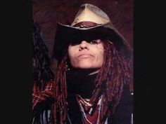 Linda Perry - Bang the Drum