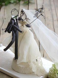 Image of Vintage Wedding cake topper Vintage Cake Toppers, Custom Wedding Cake Toppers, Wedding Topper, Wedding Crafts, Wedding Art, Wire Crafts, Metal Crafts, Wire Art Sculpture, Wedding Cake Fresh Flowers