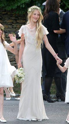 This looks like my great grandmother's wedding dress. Beautiful!