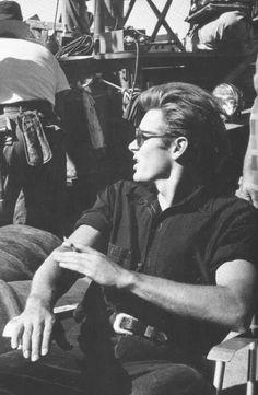 james dean and audrey hepburn * james dean and audrey hepburn ` james dean and audrey hepburn wedding ` james dean and audrey hepburn costume ` james dean and audrey hepburn lyrics ` james dean and audrey hepburn wallpaper Marie Curie, Classic Hollywood, Old Hollywood, Audrey Hepburn, Steve Jobs, James Dean Photos, James Dean Style, James Dean Life, Marilyn Monroe