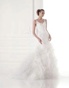 Maku esküvői ruha - La Mariée esküvői ruhaszalon - Pronovias 2015  http   lamariee 383e82b901