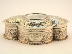 ANTIQUE 19thC VICTORIAN SOLID SILVER JEWELLERY / RING BOX, VELVET LINED, HM 1891