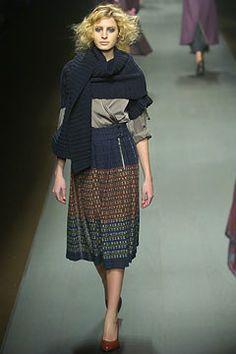 Dries Van Noten Fall 2004 Ready-to-Wear Fashion Show - Mor Katzir