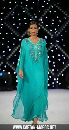 gandoura 2016 - Recherche Google Kaftan Style, Caftan Dress, Abaya Fashion, Muslim Fashion, Ao Dai, Abaya Mode, Hijab Stile, Arabic Dress, Moroccan Caftan