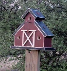 Barn style birdhouse