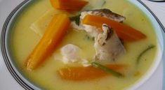 Ένα απο τα πιο νόστιμα και υγιεινά φαγητά της ελληνικής κουζίνας. Τρώγεται χειμώνα -καλοκαίρι, αρκεί να έχουμε τα κατάληλα ψάρια. Τα πιο νόστιμα ψάρια για την ψαρόσουπα είναι οι σκορπίνες, ο ροφός, μπακαλιάρος, σφυρίδα. Εξίσου Greek Recipes, Desert Recipes, Fish Recipes, Seafood Recipes, Cookbook Recipes, Cooking Recipes, Cooking Ideas, Cooking Time, Food Network Recipes