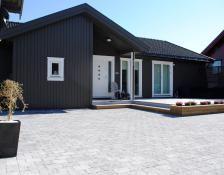 Akershusstein #asak @asak_miljostein Garage Doors, Garden, Outdoor Decor, Home Decor, Garten, Decoration Home, Room Decor, Lawn And Garden, Gardens