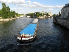 Pont Louis-Philippe, barge and Île Saint-Louis from the Pont d'Arcole