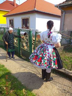"""Grandma and a girl in traditional """"ironed"""" skirt Costumes Around The World, Folk Dance, Folk Costume, Hungary, Ethnic, Traditional, Folklore, 3, Skirts"""