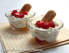 Le coppe al mascarpone e panna sono dei dessert molto golosi ma al tempo stesso rapidi da preparare. Semplici ed eleganti, sono perfette a fine pasto