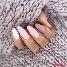 Nail art Christmas - the festive spirit on the nails. Over 70 creative ideas and tutorials - My Nails Stylish Nails, Trendy Nails, Cute Nails, Pastel Nails, Purple Nails, Gradient Nails, Hair And Nails, My Nails, Nagellack Trends