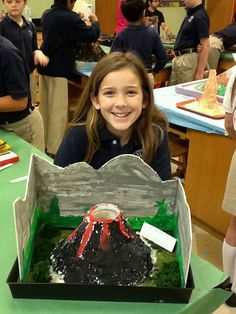 Volcano Science Projects, 5th Grade Science Projects, Science Projects For Kids, Science Crafts, Stem Projects, Science For Kids, Science Experiments, School Projects, Activities For Kids