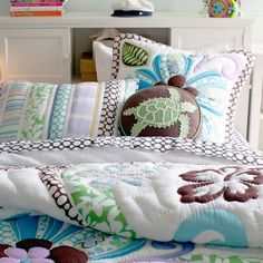 Get inspired with teen bedroom decorating ideas & decor from Pottery Barn Teen. From videos to exclusive collections, accessorize your dorm room in your unique style. Ocean Bedding, Beach Bedding, Hawaiian Bedroom, Hawaiian Decor, Bedroom Themes, Girls Bedroom, Bedroom Decor, Bedroom Designs, Turtle Quilt