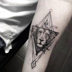 2017 trend Animal Tattoo Designs - Geometric lion tattoo by Sara Reichardt. Wolf Tattoos, Animal Tattoos, Body Art Tattoos, Sleeve Tattoos, Tattoo Arm, Tricep Tattoos, Tatoos, Inner Forearm Tattoo, Tattoo Designs