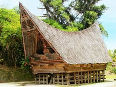 Traditional pole houses may be ideal shelters for a weather-ravaged future