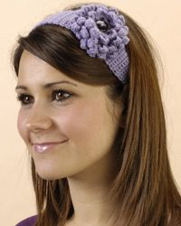 it uses British terms so a dc is a sc and a dtc is a triple crochet, a treble is a dc Diy Crochet Flowers, Crochet Flower Headbands, Crochet Headband Pattern, Crochet Patterns, Crochet Girls, Love Crochet, Crochet Baby, Knit Crochet, Crochet Hair Accessories
