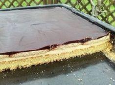 LPG Kuchen- ein Kuchenrezept aus der DDR mit Buttercreme, in Weinbrand getränkten Keksen und Schokoguss