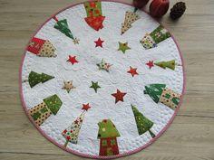 """Quilts & Patchwork - Runde Tischdecke """"Weihnachten""""/Quilt - ein Designerstück von Aksiny bei DaWanda"""