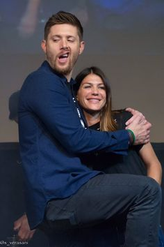 #JIB7 Stef (@s_verasani) | Twitter <<<<<< I love how she doesn't even look surprised, as if Jensen just comes to the Padalekis' home and sits like that... Like... She just plays cool and has one more kid to take care of.