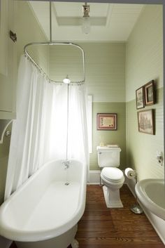 Small Bath Layout With Claw Foot Tub. Love The Ombre Paint From Bottom To  Top