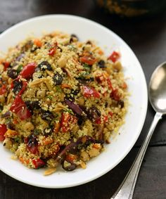 Moroccan couscous with chickpeas, fast-roasted vegetables & almonds. Traditional and most widely eaten dish in MOROCCO. Couscous Salad With Chickpeas, Moroccan Couscous Salad, Couscous Dishes, Bulgur Salad, Lentil Salad, Chickpea Salad, Queijo Cottage, Soup Recipes, Cooking Recipes