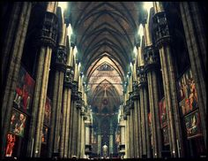Inside of Milan cathedral Milano Giorno e Notte - We Love You! http://www.milanogiornoenotte.com