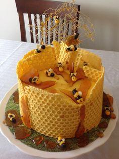 Bee Cakes, Cupcake Cakes, Bee Hive Cake, Bee Birthday Cake, Cake Designs For Girl, Honeycomb Cake, Honey Cake, Fancy Cakes, Creative Cakes