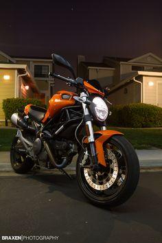 Scrambler Orange Ducati Monster 696Photo by Braulio Negreira