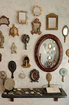Ma che bella collezione di specchi antichi!!!!