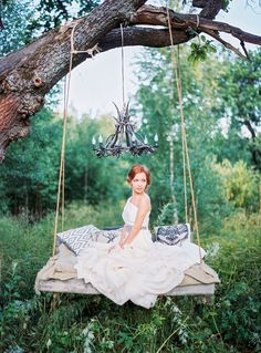Vera Wang wedding dress | Yaroslav and Jenny Photography | see more on: http://burnettsboards.com/2014/12/bohemian-chic-wedding-inspiration/