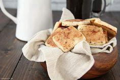 Tiramisu Cookies recipe - easy to make cookie recipe based on the popular Italian dessert. These simple homemade cutout cookies have mascarpone, espresso, cocoa, and rum extract. Italian Cookie Recipes, Italian Cookies, Italian Desserts, Easy Cookie Recipes, Just Desserts, Snack Recipes, Easy To Make Cookies, Cut Out Cookies, No Bake Cookies