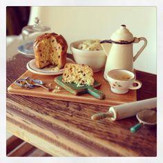 2smartminiatures: Dried Raisins Panettone For A Miniature Easter
