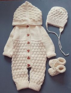 Winter Baby Clothes, Knitted Baby Clothes, Baby Winter, Baby Knits, Knitted Baby Romper, Knitted Baby Outfits, Baby Knitting Free, Baby Knitting Patterns, Baby Overalls
