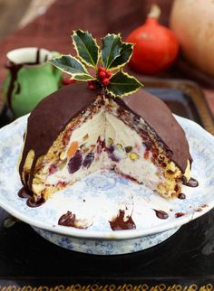 A kinda ice cream Christmas pudding you can prep anytime and keep happily waiting in the freezer