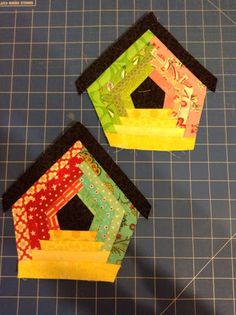 Quilted hugs : Playing with scraps - aren't these birdhouses cute...