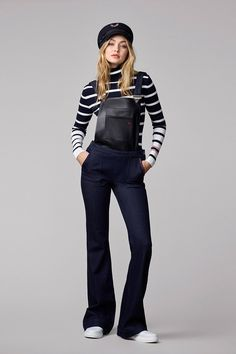 The supermodel has created a line for Tommy Hilfiger and we love the Gigi Hadid style, however we can't wait to see the massive show at NYFW. Tommy Hilfiger Looks, Gigi Hadid Tommy Hilfiger, Tommy Hilfiger Mujer, Look Fashion, Fashion Models, Fashion Outfits, Vogue, Style Gigi Hadid, Modest Fashion