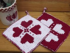 Free Pattern: Double Knit Potholder – Knitting The Effective Pictures We Offer You About machine knitting techniques A quality picture can tell you many things. You can find the most beautiful picture Double Knitting Patterns, Knitting Charts, Free Knitting, Crochet Patterns, Knitted Washcloths, Crochet Dishcloths, Knit Or Crochet, Potholder Patterns, Crochet Potholders